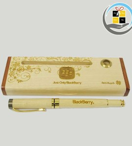 Combo bút gỗ khắc chữ khắc tên tại Đà Nẵng