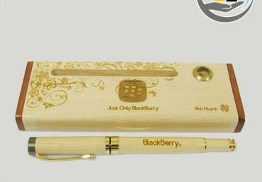 Quà tặng Việt mang bút gỗ tới người dùng