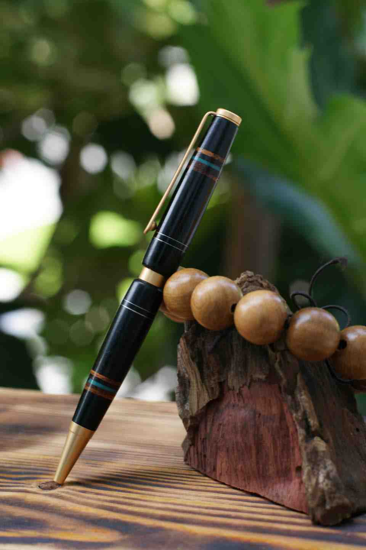 Bút gỗ mun 1