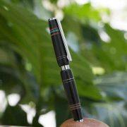 Bút gỗ mun 4
